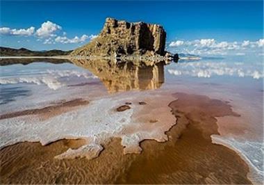 طرح انتقال آب زاب به دریاچه ارومیه تا پایان امسال به بهرهبرداری میرسد