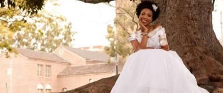 ازدواج هفتاد زن انگلیسی با درختان